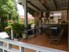 Terass i huset på Phe Village