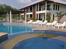 Relaxpool på Palm Leaf i Thailand