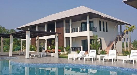 Palm Leaf condominium Near Mae Phim thailand