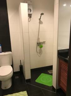 Dush och toalett på Palm Leaf i Thailand