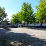 Restaurangen Bryggan Gävle till höger intill Gavleån.