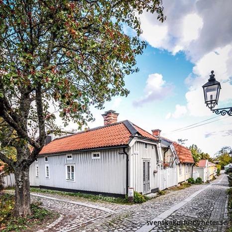 Bild nr. 14 Ernest @ernestnirmalk på Instagram har fotograferat en bild från Gamla stan i Gävle.