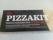 Gör en hemlagad pizza med ICA:s Pizzakit. Gott och enkelt! :) Innehåller färdig pizzadeg och fyllig tomatsås.