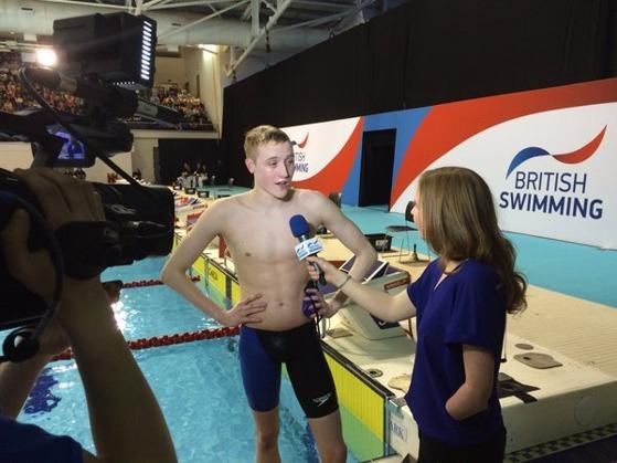 Tim Shuttleworth blir intervju som nybakt britisk mester på 1500m fri.