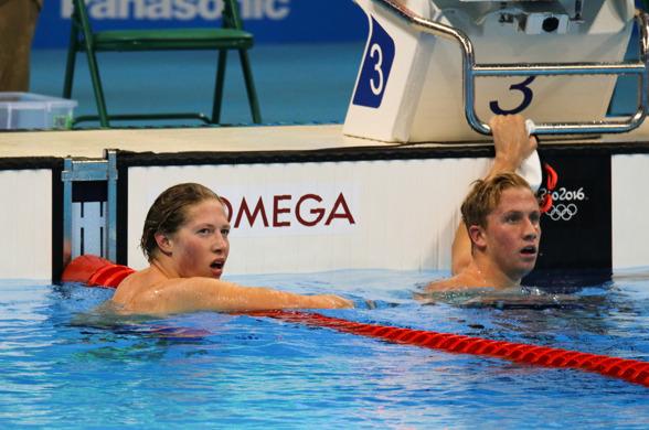 FINALEKLAR: Henrik Christiansen etter forsøket på 1500 meter fri. Til høyre Jordan Wilimowsky. FOTO: Karl Filip Singdahlsen/NIF
