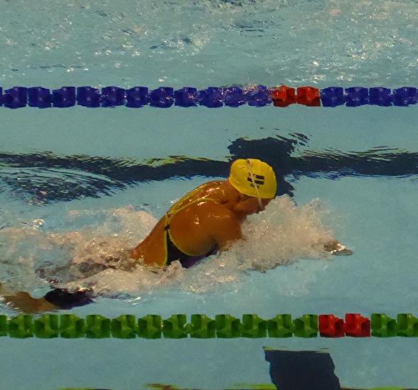 Vilma Ekström i semifinalen på 200m bröstsim