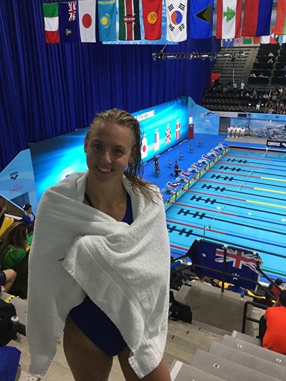 Sara Junevik kvalade in till finalen på 100m fjärilsim i natt. Detta med ett bra personligt rekord 59.26. Sara som häromnatten tog Sveriges tredje medalj genom tiderna på Junior-VM. När vi nu är med på det sjätte JVM:et har vi fått medalj tidigare av Nathalie Lindborg och Sophie Hansson.
