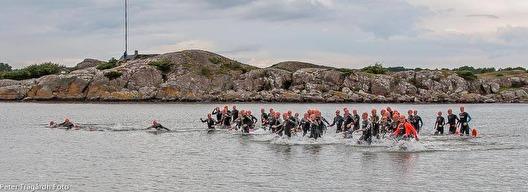 Starten i herrarnas tävlingsklass - ute på Hallands Väderö - foto: Peter Trägårdh