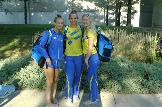 Tre finalister som finns med i finalerna natten till söndag - frv. Hanna Rosvall, Sara Junevik och Hannah Brunzell - foto: Henrik Forsberg