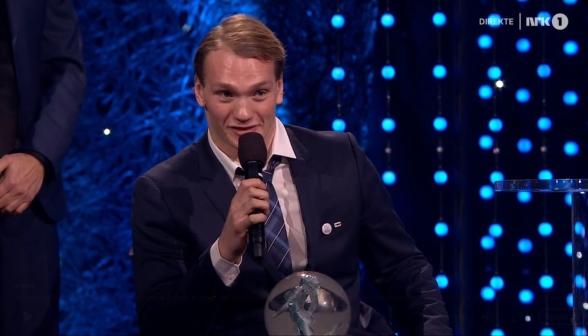 Andreas Bjørnstad holder takketale. Skjermdump, NRK.
