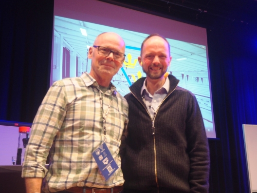 Bilden: Moderator Torsten Buhre tillsammans med en av torsdagens föreläsare Jesper Dahl