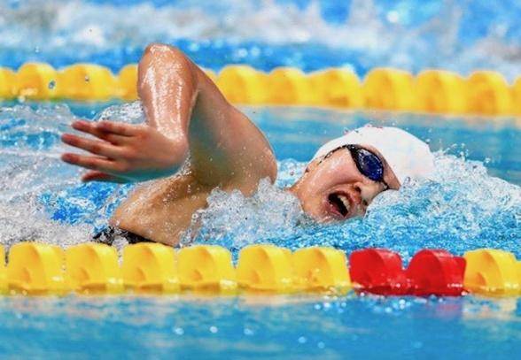 WANG Jianjiahe inledde med att slå världsrekord på 400m fritt. Den 16-åriga kinesiskan kommer att bli första utmanare till Katie Ledecky i Tokyo 2020. Foto: Swim Vortex