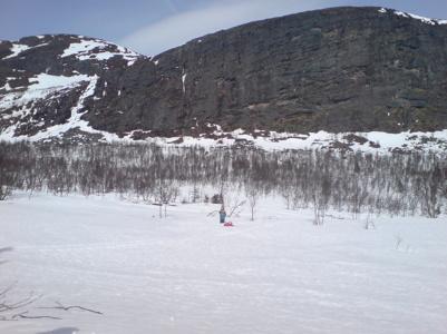 Hallå! Hör ni mej? Fotot är taget längs skoterleden mot Kittelfjäll.