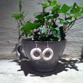 Virkade örhängen (vita)