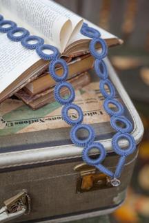 Virkat halsband (Jeansblå)