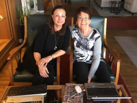 Jag och Birgitta Backlund jobbar på lokal.