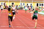 Amadou fäller sig till ett svenskt juniorrekord på 4x100 meter!