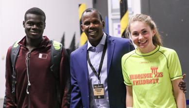 Coach Jama Aiden med sin 400-skräll Abdalleleh och Ewelina