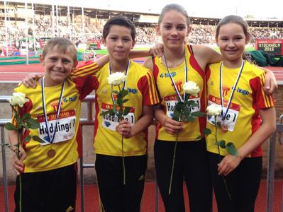 Segrande stafettlaget Julius, David, Rebecka och Madeleine. Foto: Lotta Geiryd