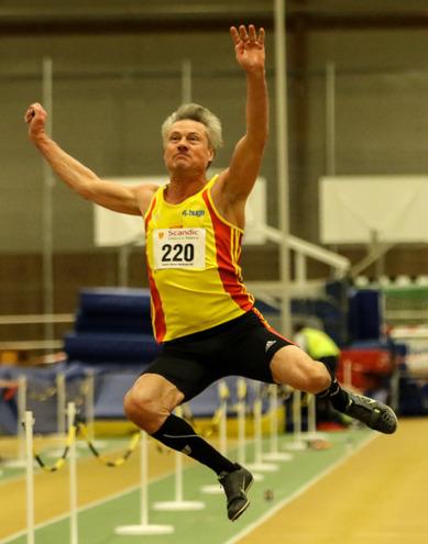 Anders Olsson i sitt svenska rekordhopp