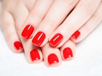 Nagelförlängning, Akryl naglar, gele naglar, manikyr, gellack