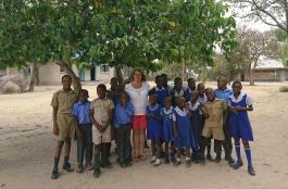 704 dollar doneras till internatskolan för döva barn i Zimbabwe nov 2017