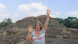 Ann in El Salvador and activate distance Reiki .