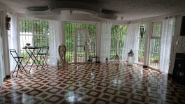 One of the 3 course rooms in the Golden Star Healing Center.