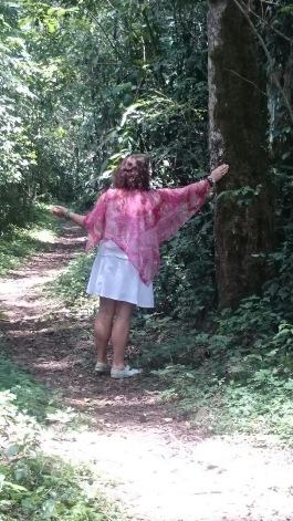 Ann Aglgren Änglavingar helar träden i  världens minsta regnskog i Kakamega i Kenya