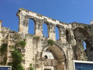 Ringmuren runt gamla stan i Split