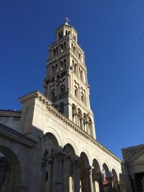 Det berömda klocktornet i Gamla Stan i Split