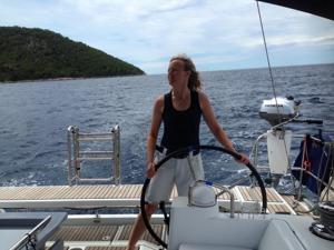 Pia till rors! Vi seglade rätt hårt i dag.
