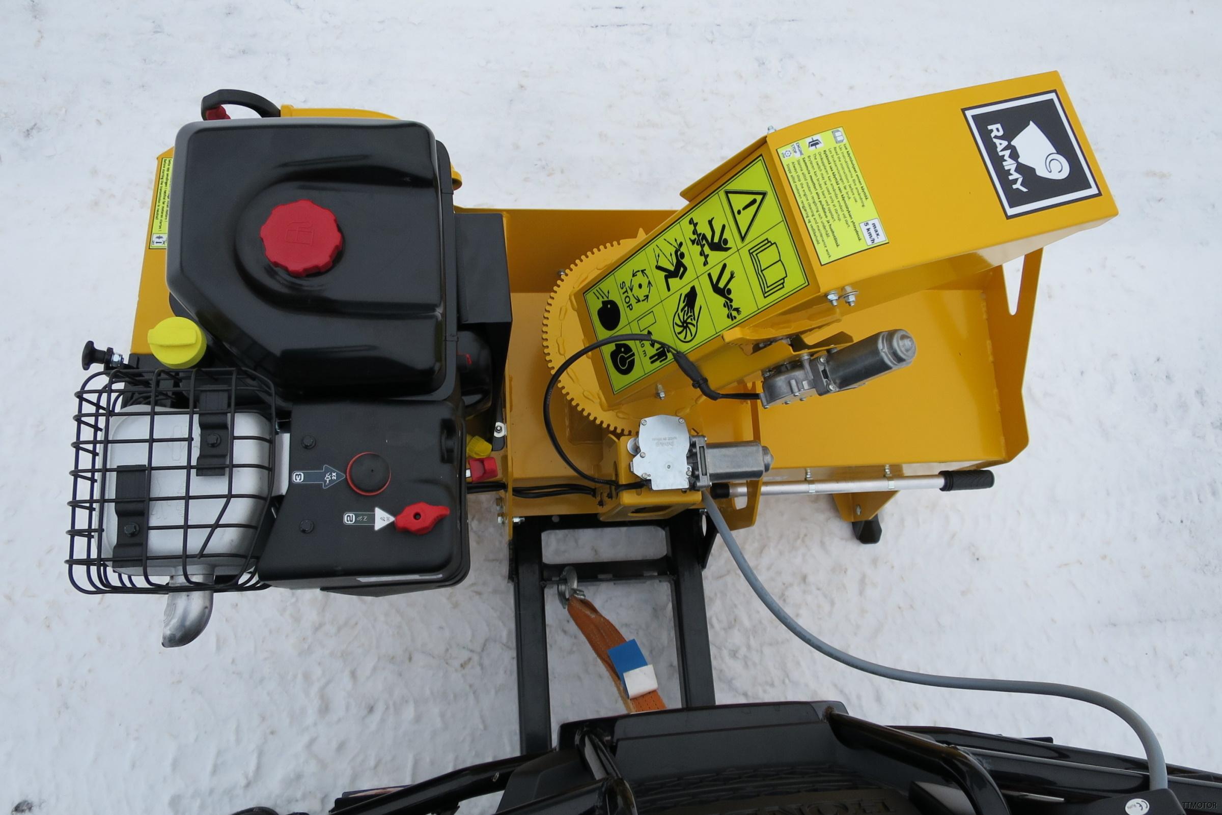 Rammy-Snowblower-120-ATV-PRO-up