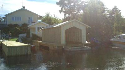 Nästan färdigt båthus
