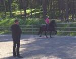 Johan instruerar Emma & Katla