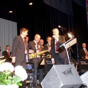 Ordförande: Lars Norström tackar Erik Gullbransson för kvällens konsert.