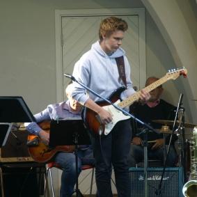 """""""Road Song"""" med Albin Holmström."""