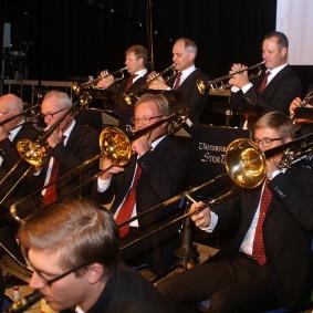 Trumpet : Mats Nilsson, Nils-Inge Andersson, Tommy Persson, Hans Malmqvist och Jan-Olov Pettersson.   Trombone : Gunnar Andersson, Peter Andersson, Jonas Ålstam och Patrik Ålstam.