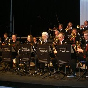 Saxofoner:  Björn Danielsson, Lise-Lott Johansson, Jan Kupiec,  Anders Nilsson och Mattias Darlin.