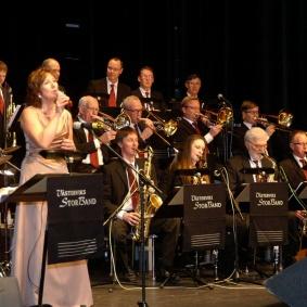 Ingrid Lindebratt och Storbandet inledde konserten.