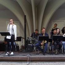 """""""Blue moon"""" framfördes av Stina Erlandsson"""