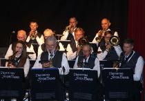 Saxofon: Liselott Johansson,Jan Kupiec, Anders Nilsson, Mattias Darlin. Trombone: Gunnar Andersson. Peter Andersson. Jonas och Patrik Ålstam. Trumpet: Mats Nilsson, Tommy Persson, Nils-Inge Andersson.