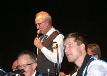 Storbandets ledare Peter Andersson presenterade kvällens program