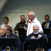 Kvällens presentatör Storbandets ledare Peter Andersson