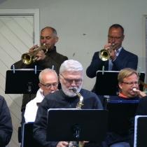 Trumpeter: Mats Nilsson , Nils-Inge Andersson , Tommy Persson och Jan-Ove Pettersson. Trombone: Gunnar Andersson , Peter Andersson , Jonas Ålstam. Saxofon: Mattias Darlin , Jan Kupiec , Anders Nilsson