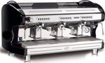 QM 65 3-Grupper. Professionell espressomaskin med tre grupper.