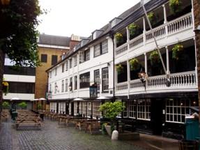 George Inn (förstora med klick)