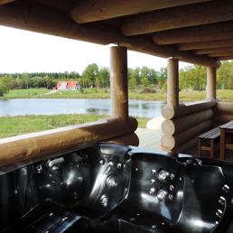Stor & vackert belägen stuga med jacuzzi att boka & hyra nära Vallåsen Kungsbygget Hallandsåsen