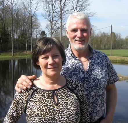 Välkommen att konstakta Maritha & Kenny om du vill hyra/boka Anderssons fina  Timmerstuga i Våxtorp mellan Vallåsen & Laholm i södra Halland