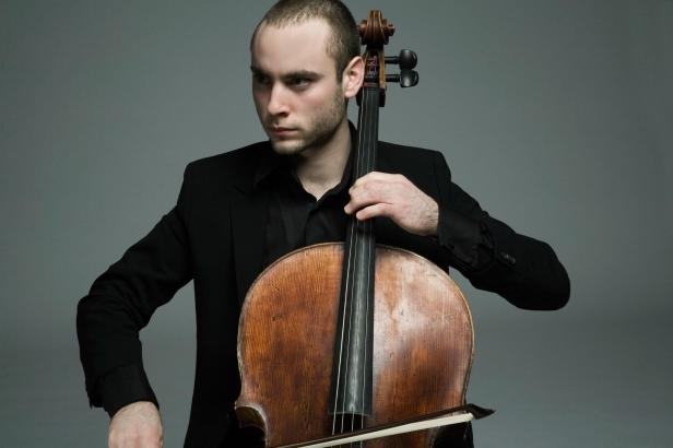 Jakob Koranyi bjuder på ett urval av Bach's solosviter och berättar kring dem